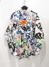VETEMENTS ALL OVER GRAFFITI シャツ